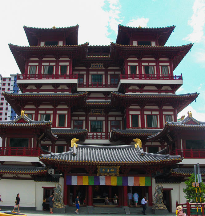 Buddha Tooth Relic Temple the top things to do in singapore in two days