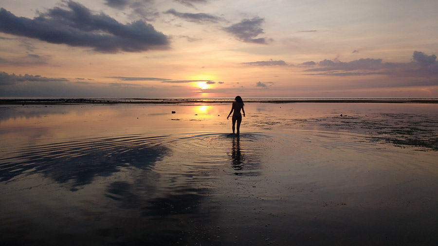 where to see the best sunsets in the gili islands