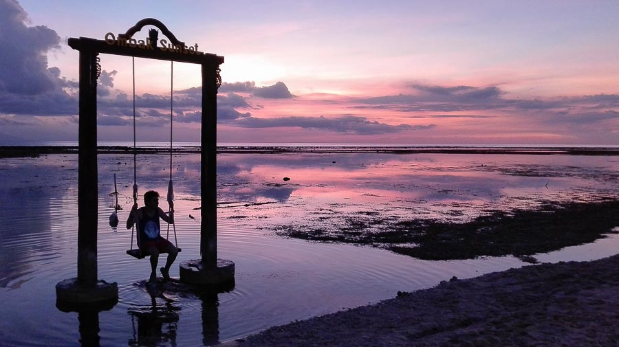 Southeast asia itinerary. Sunset on the Ombak Sunset swing in Gili Trawangan