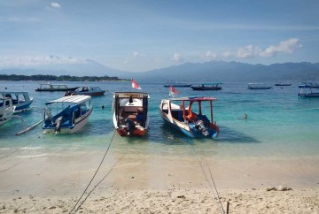 [:es]Barcos en el puerto de Gili Trawangan Indonesia Lombok[:en]Boats in the port of Gili Trawangan Indonesia Lombok[:]