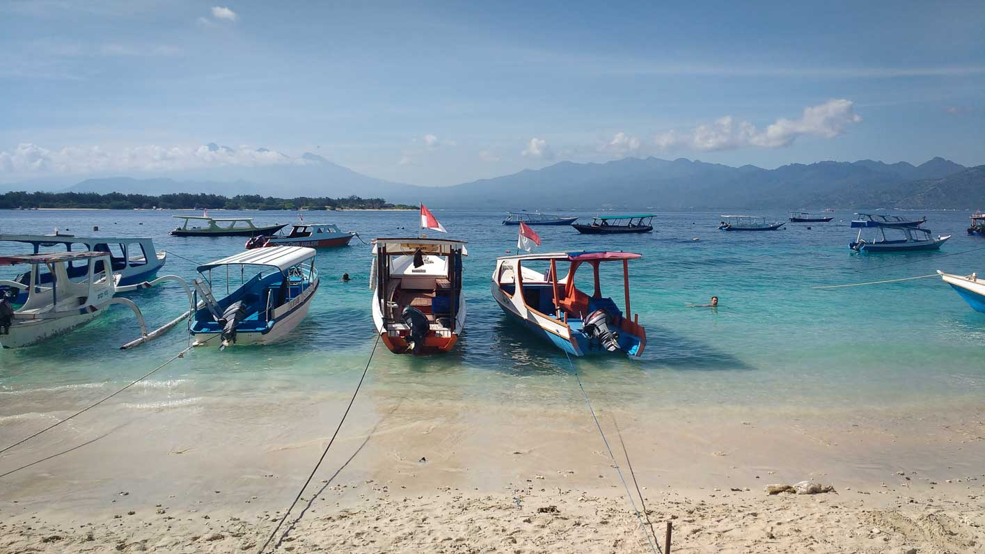 itinerary 7-day Bali + islands boats at gili trawangan