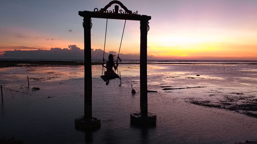 where is the swing of the gili island sunset