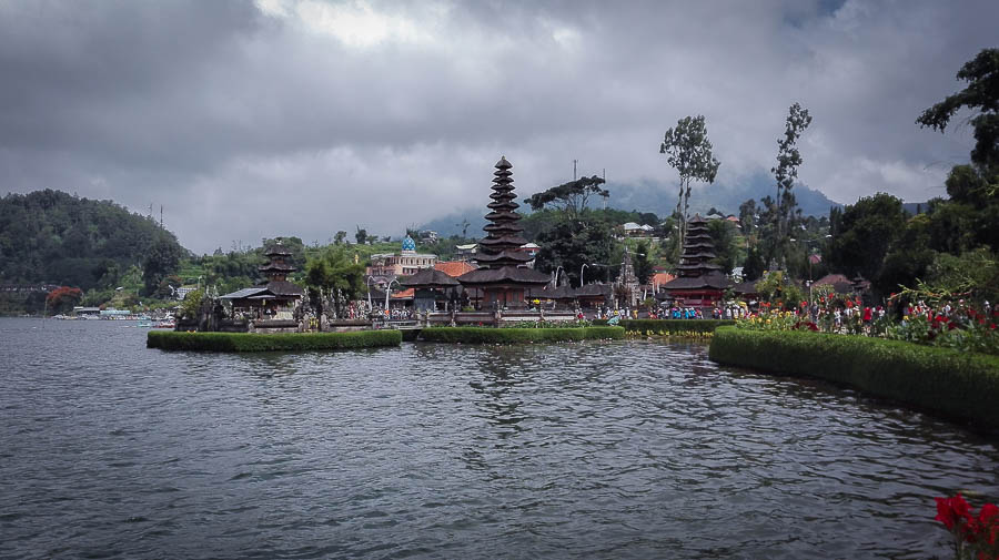 Pura Ulun Danu Temple on Lake Batran