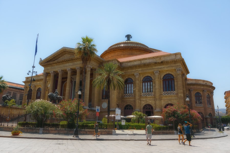 Teatro Massimo in Palermo Sicily. top things to do in Palermo sicily.