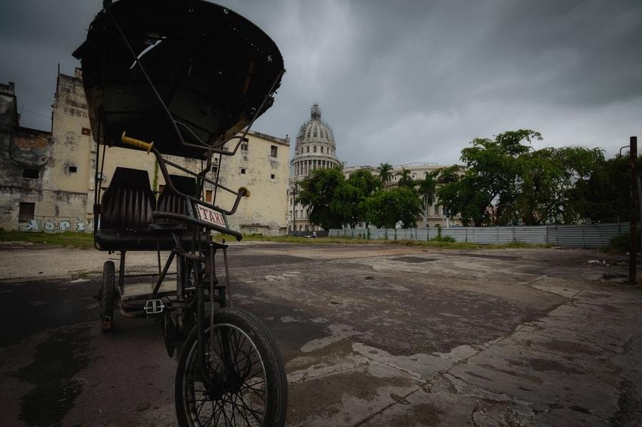 Bicitaxi Habana cuba. organizar viaje a Cuba.