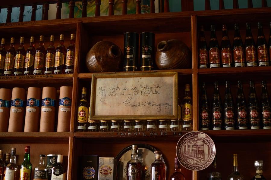 My Mojito in La Bodeguita. My Daquiri in El Floridita - Ernest Hemingway cartel La Bodeguita del Medio Habana Cuba