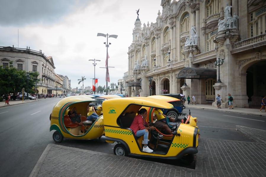 Cocotaxi Cuba La Habana. transporte organizar viaje a cuba