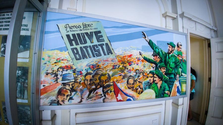 Guia de cosas que hacer en la Habana. Museo de la revolucion cubana propaganda politica la Habana Cuba