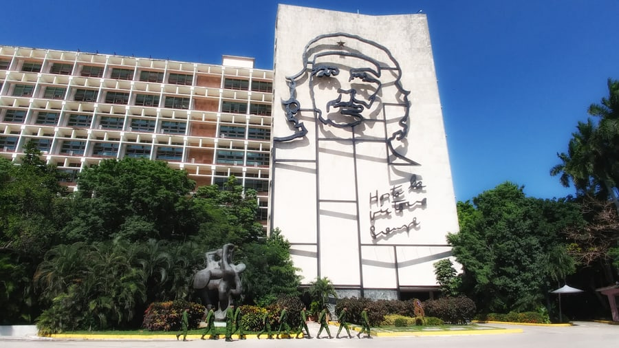 Relief of Che in the Revolution Square