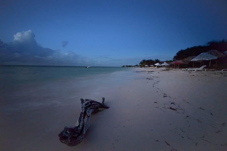 Playa principal cayo jutias cuba. turismo verano cuba