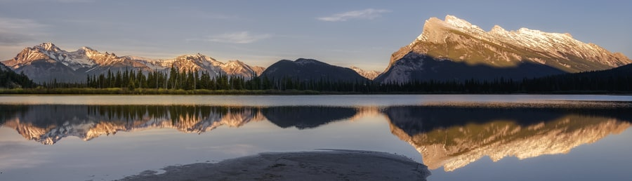 things to do in Banff in summer sunset vermilion lakes