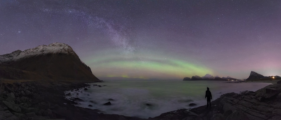"The wonders of the arctic night sky - <a href=""https://capturetheatlas.com/es/viaje-fotografico-lofoten/"">Islas Lofoten.</a> Noruega."