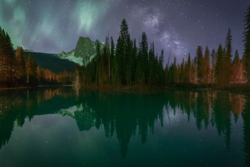 """Celestial dance - <a href=""""https://capturetheatlas.com/things-to-do-yoho-national-park-canada/"""">Yoho National Park.</a> <a href=""""https://capturetheatlas.com/canadian-rockies-road-trip-15-days/"""">Canada.</a>"""
