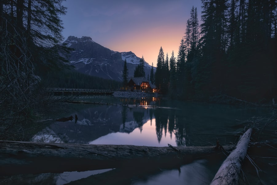 best accommodation in emerald lake lodge canada