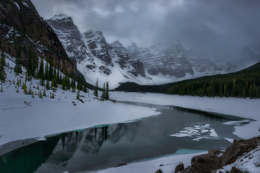 Moraine Lake best pictures in the canadian rocky mountains