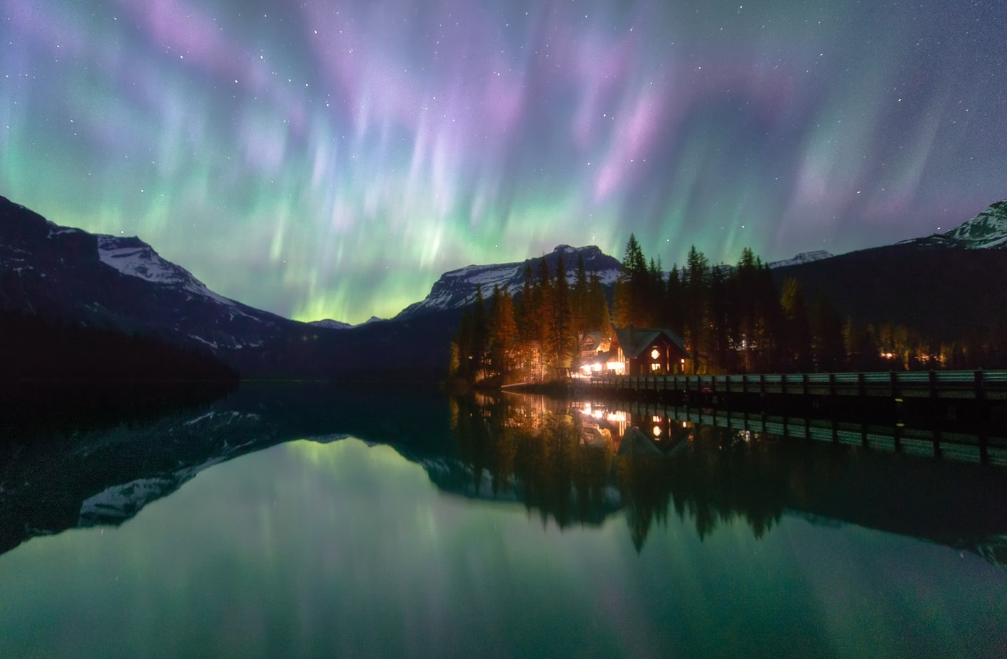 see northern lights in yoho canadian rockies