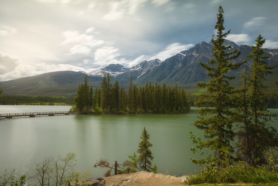 where to stay in jasper national park pyramid lake