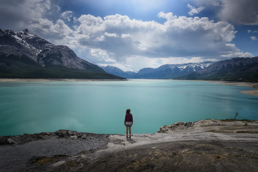 best lake close to icefields parkway