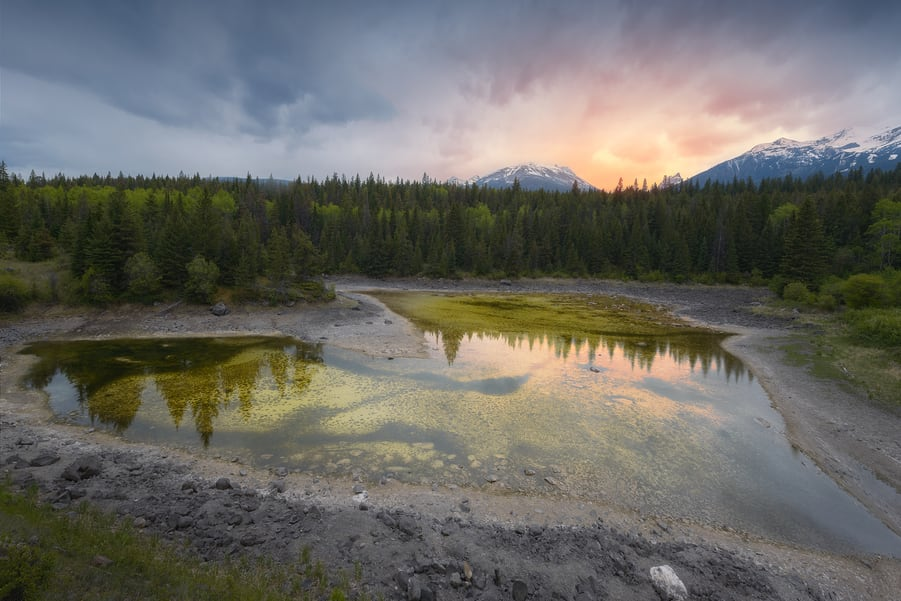 valley of the five lakes in jasper canadian rockies photo tours