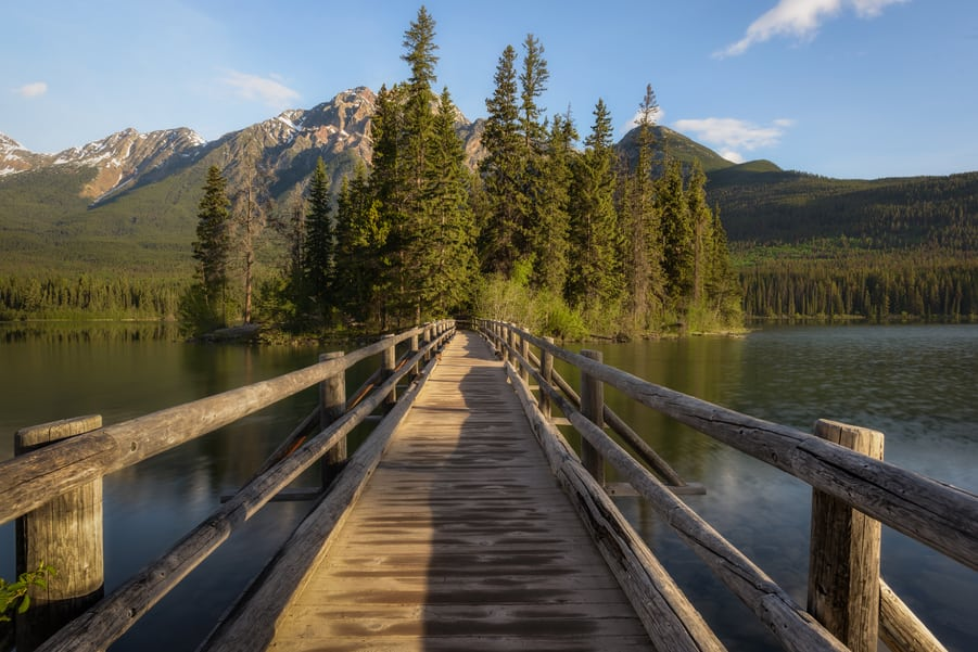 "Wooden path - <a href=""https://capturetheatlas.com/things-to-do-jasper-national-park-canada/"">Jasper National Park.</a> <a href=""https://capturetheatlas.com/canadian-rockies-road-trip-15-days/"">Canada.</a>"