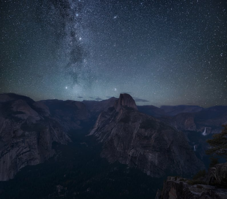 "glacier at night - <a href=""https://capturetheatlas.com/visit-yosemite-national-park/"">Yosemite National Park.</a> <a href=""https://capturetheatlas.com/10-day-west-coast-usa-trip/"">United States.</a>"