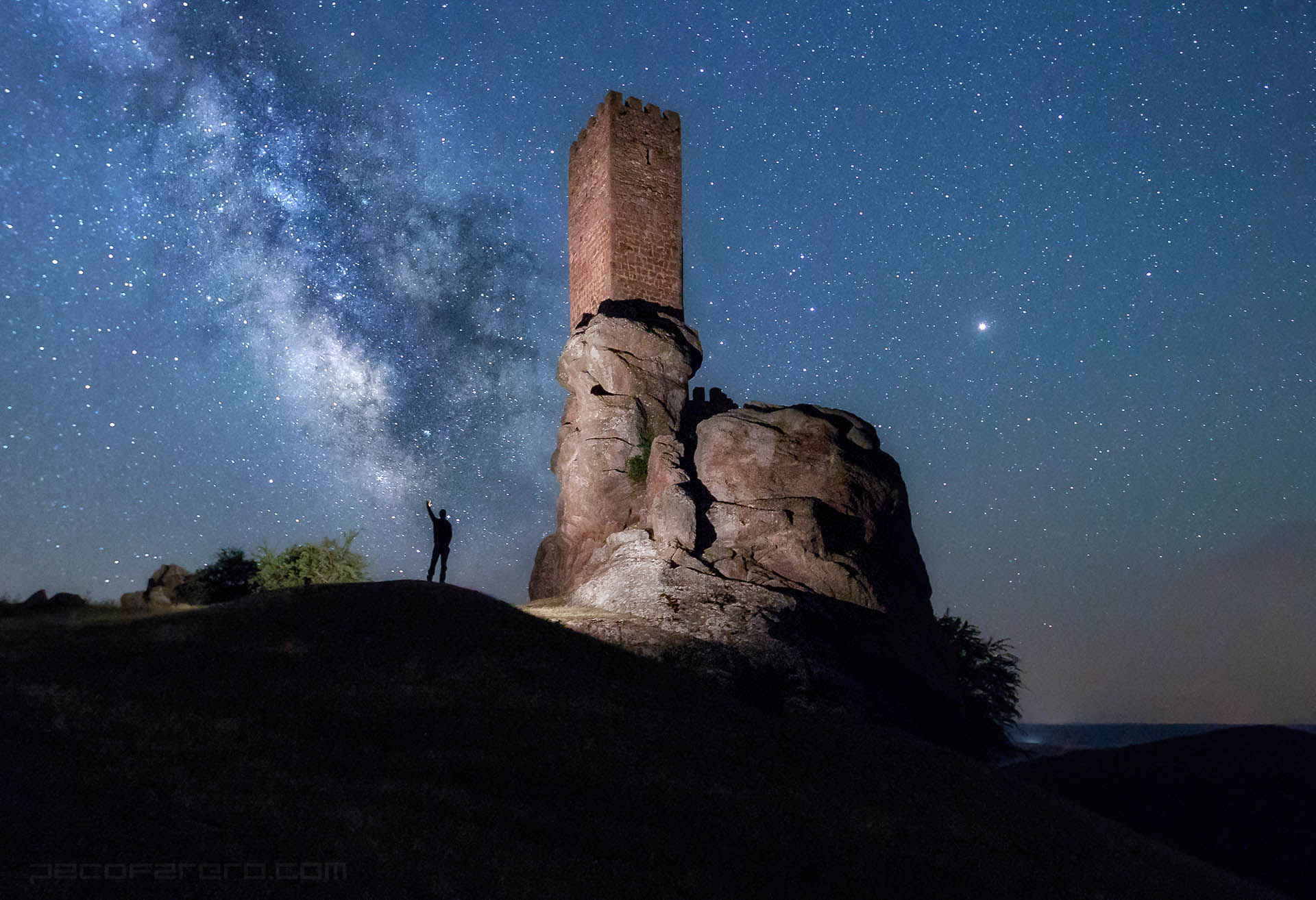 Milky Way Castle Starry night sky sense of scale Zafra Castle Game of Thrones