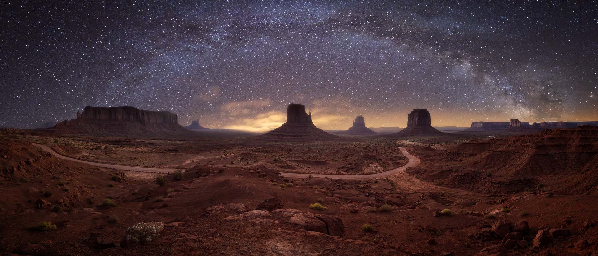 Milky Way Monument Valley stars Navajo photography tour