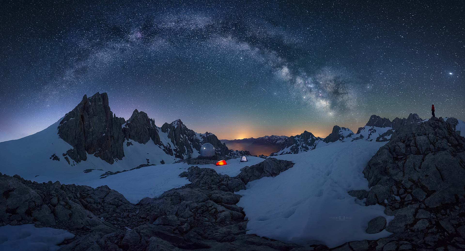 Milky Way Mountain pass snow night photography mountaineer