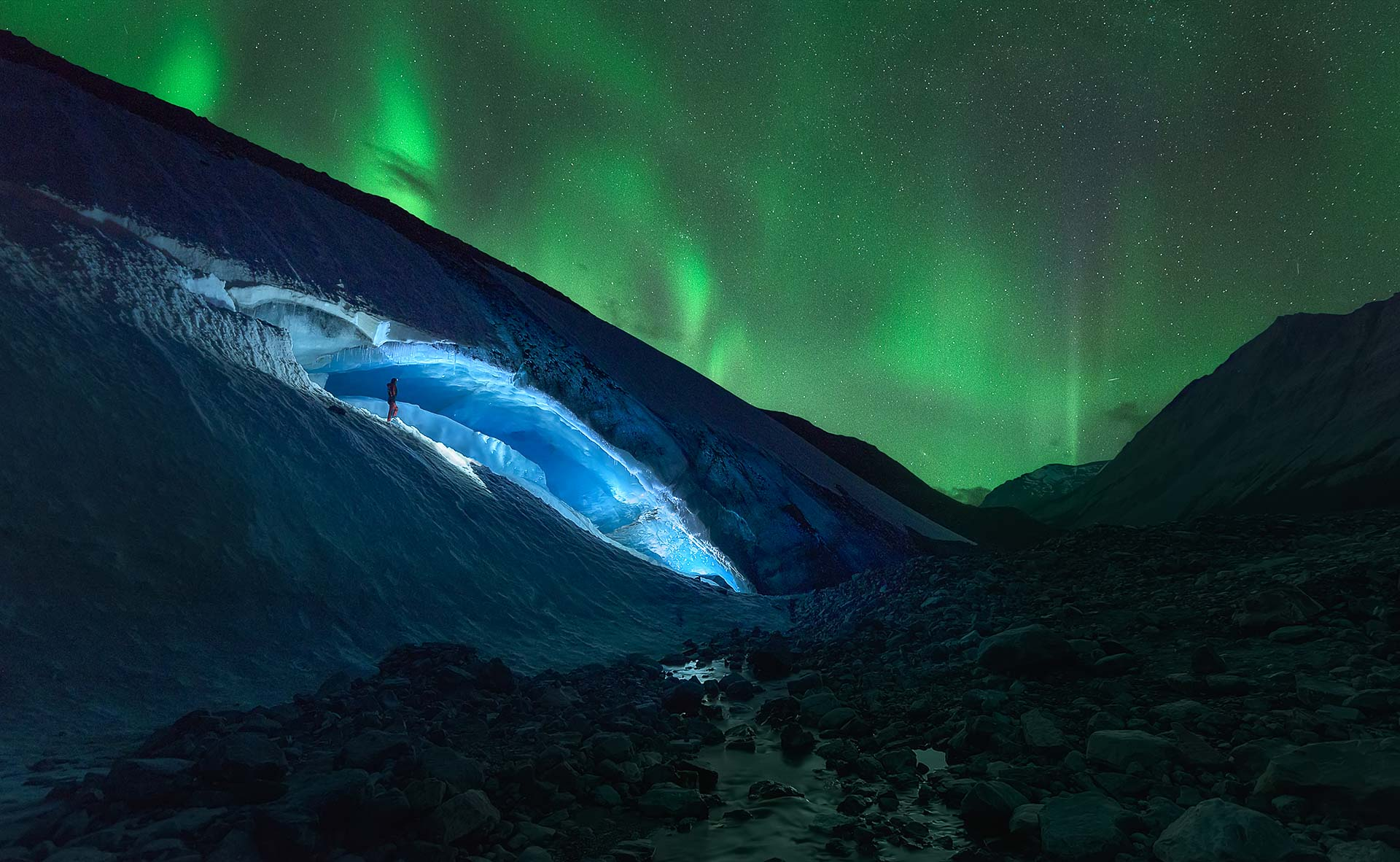 Northern lights Athabasca Glacier Canada Ice cave