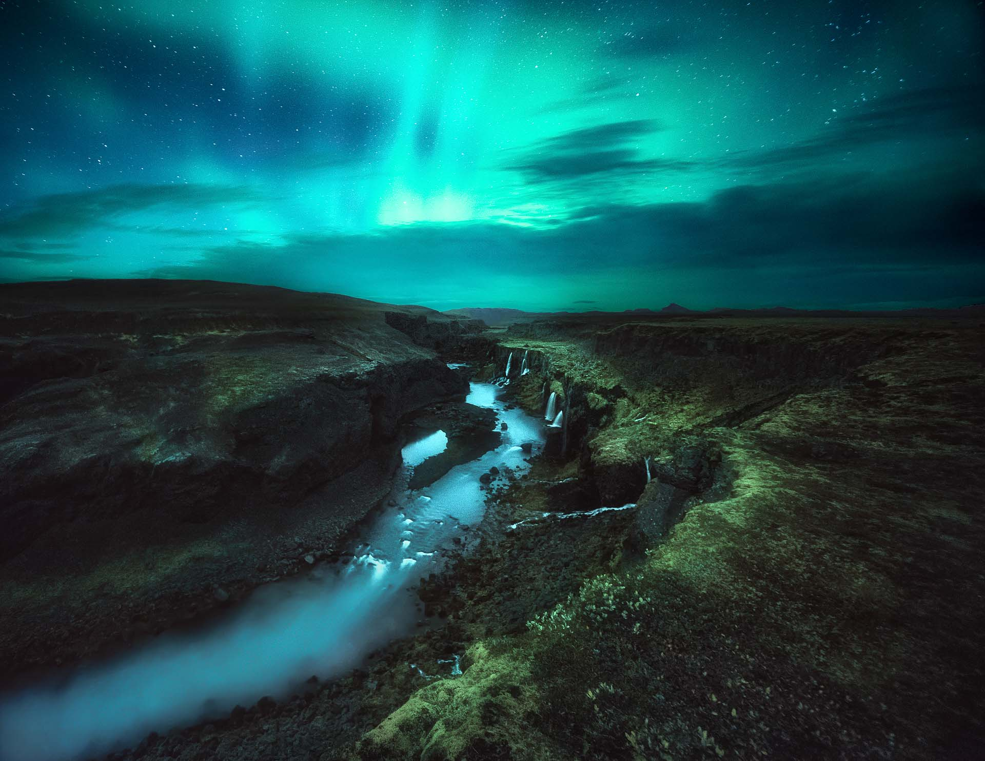 Northern Lights Iceland Sigoldugljufur canyon