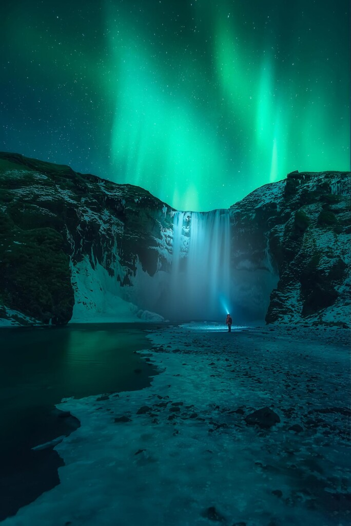 """Lighting Skogafoss"" – Iván Ferrero"