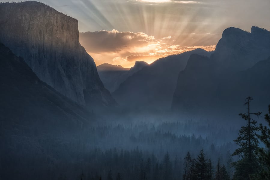 "Yosemite Rising Sun - <a href=""https://capturetheatlas.com/visit-yosemite-national-park/"">Yosemite National Park.</a> <a href=""https://capturetheatlas.com/10-day-west-coast-usa-trip/"">United States.</a>"