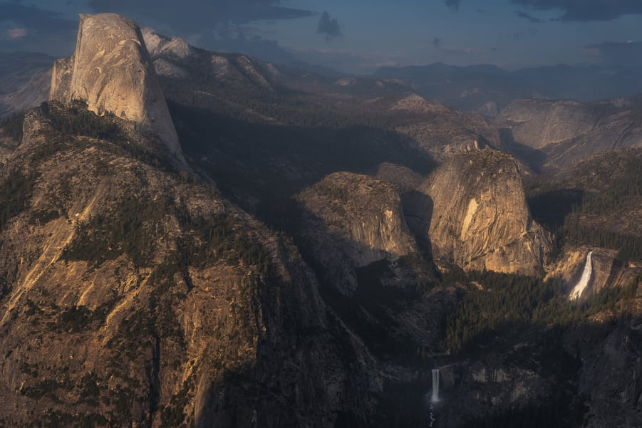 "Majestic Valley - <a href=""https://capturetheatlas.com/es/visitar-yosemite-que-ver/"">Yosemite National Park.</a> <a href=""https://capturetheatlas.com/es/ruta-costa-oeste-estados-unidos-10-dias/"">Estados Unidos.</a>"