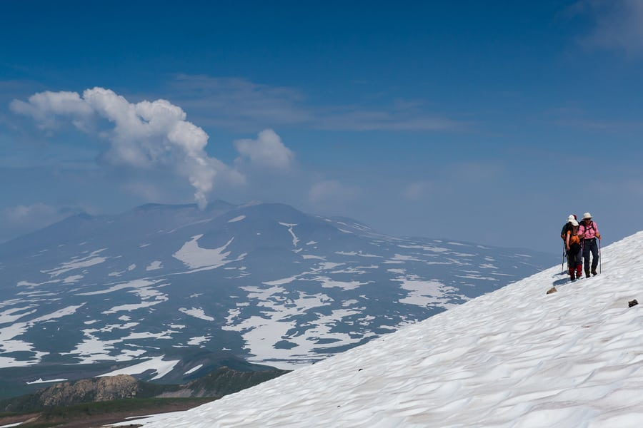 photography tour to kamchatka volcanoes hikes
