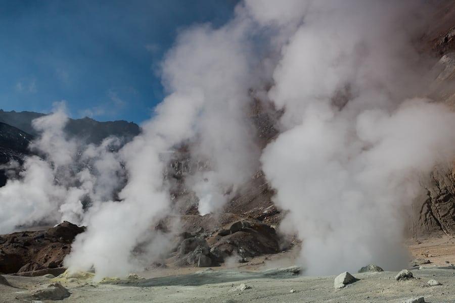 fumarolas volcán Mutnovsky que ver en kamchatka mejores tours