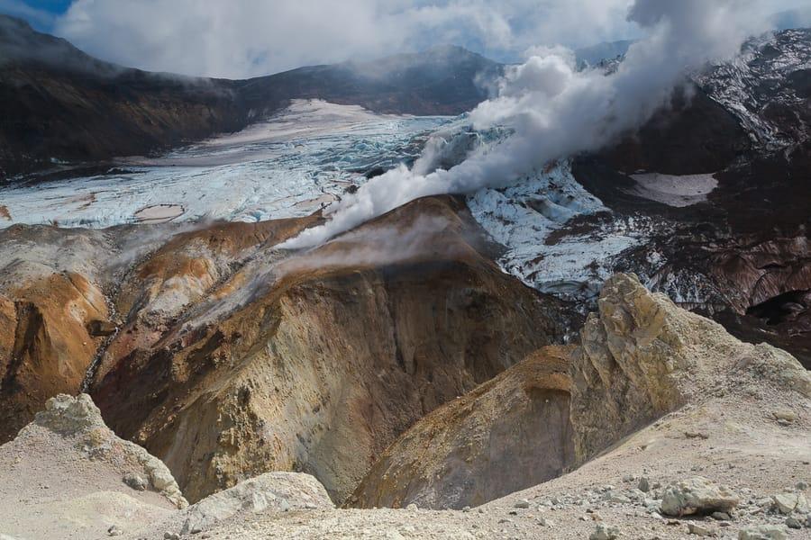 viaje a kamchatka volcán Mutnovsky mejores rutas de senderismo