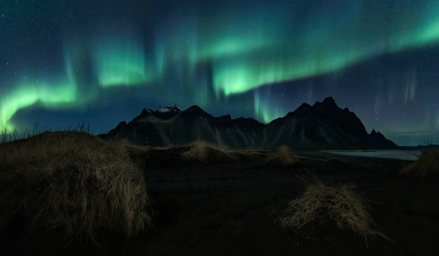 aurora boreal en islandia stokknes