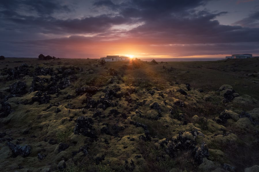 best time to visit iceland to see the midnight sun