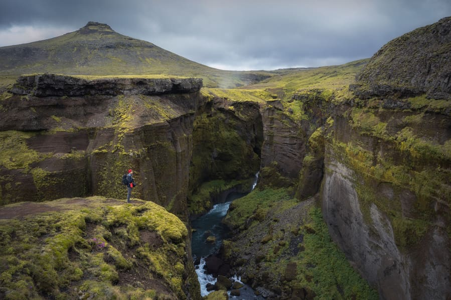 Fimmvörðuháls canyon best hikes in iceland what to do