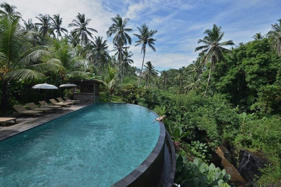 villa pertiwi bisma 1 las villas más baratas de Bali piscina infinity
