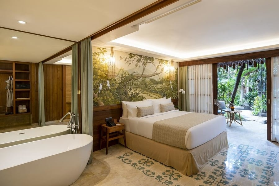beautiful hotel in bali with bath tub at the bedroom
