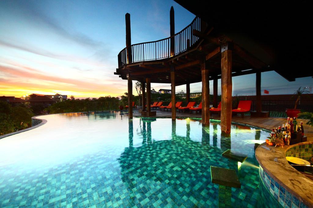 Ofertas de hoteles en Bali pisicina infinita
