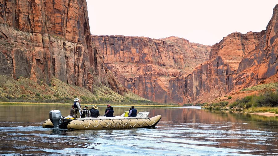Rafting in Colorador River Antelope Canyon helicopter tour