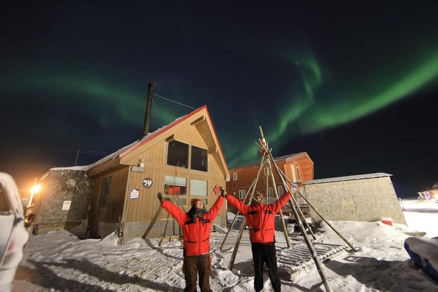 best aurora boreal hotel in canada