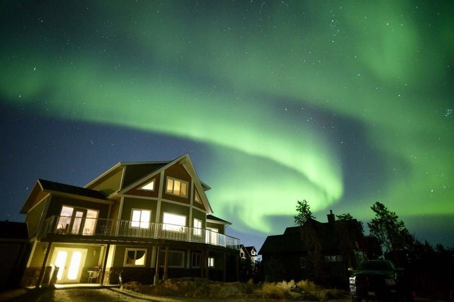 Best Northern Lights hotels in Yellowknife Canada