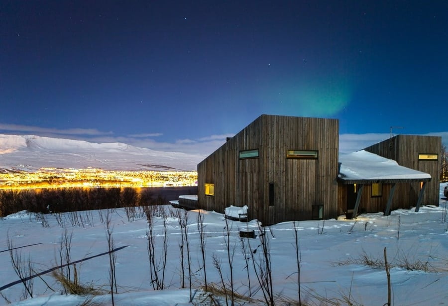 best northern lights hotels in iceland