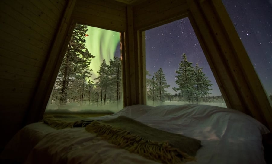 northern lights from the bed hotel