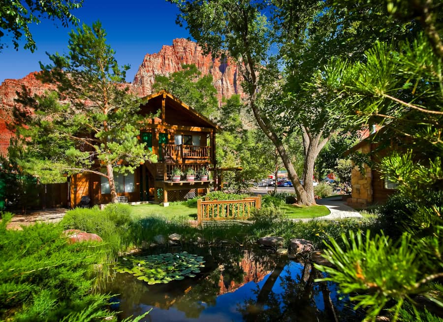 where to stay in zion canyon Flanigan's Inn