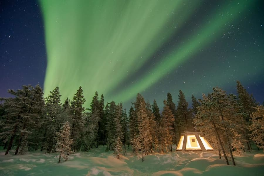 Trips and tours to see northern lights in Sweden