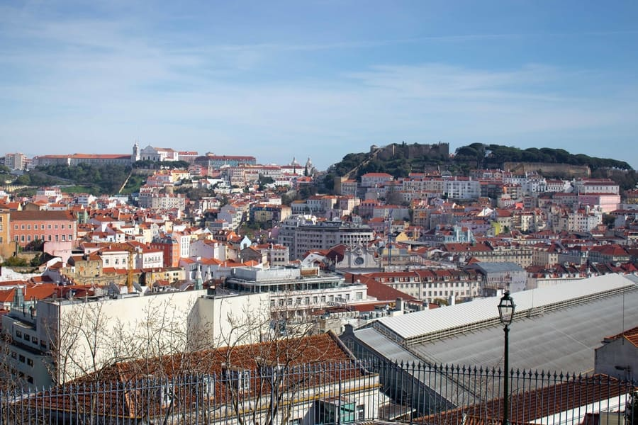 Visit the best lookouts of Lisbon